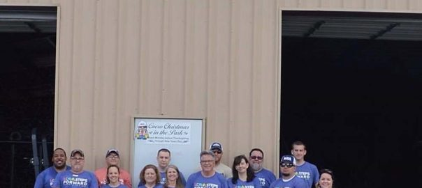 LCRA volunteers group wide shot